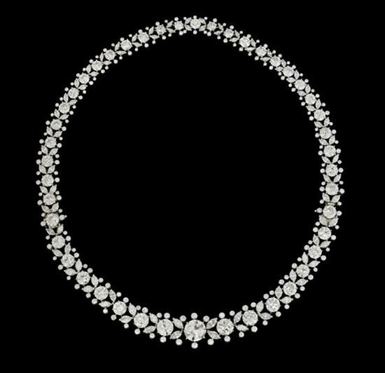 Magnificent Harry Winston diamond and platinum necklace-bracelet combination