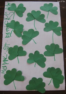 4 Leaf Clover Search #stpatricksday #stpatricksdayproject