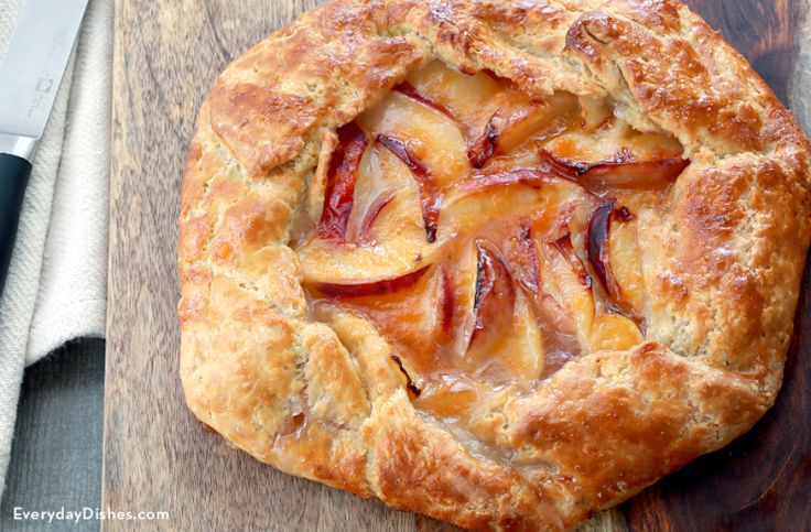 """crust 1 1/2 cups all-purpose flour 1/2 tsp salt 1 1/2 sticks unsalted butter, very cold, cut into small cubes 1/3 cup water, ice-cold, plus additional 1–2 Tbsp as needed filling 1 1/2 lbs peaches, skin-on, pitted and cut into ½"""" slices 1/4 cup sugar 1 Tbsp lime juice 2 Tbsp cornstarch 1 pinch salt 2 Tbsp unsalted butter, cut into small pieces glaze 1 egg, well beaten (for egg wash) 1 Tbsp apricot preserves 1 tsp water"""