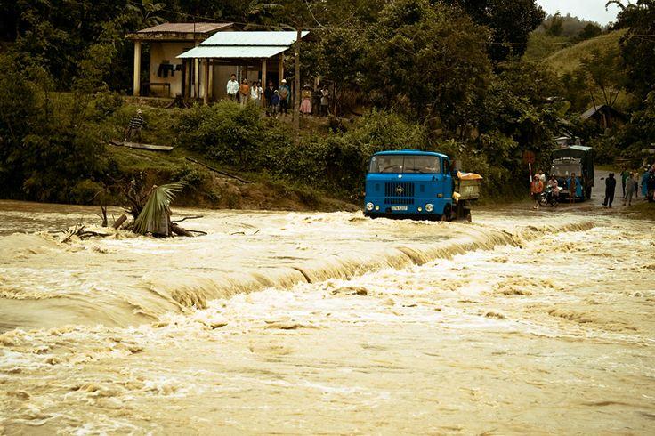Vietnam Floods Kill at Least 37, Thousands Evacuated
