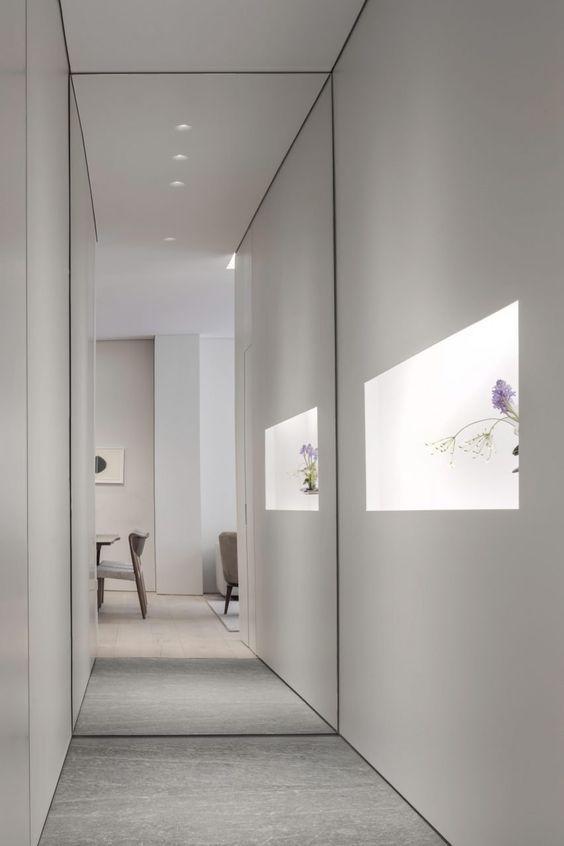 A folyosó vége az egyik kedvenc helye a tükrüknek, szóval csak bátran!