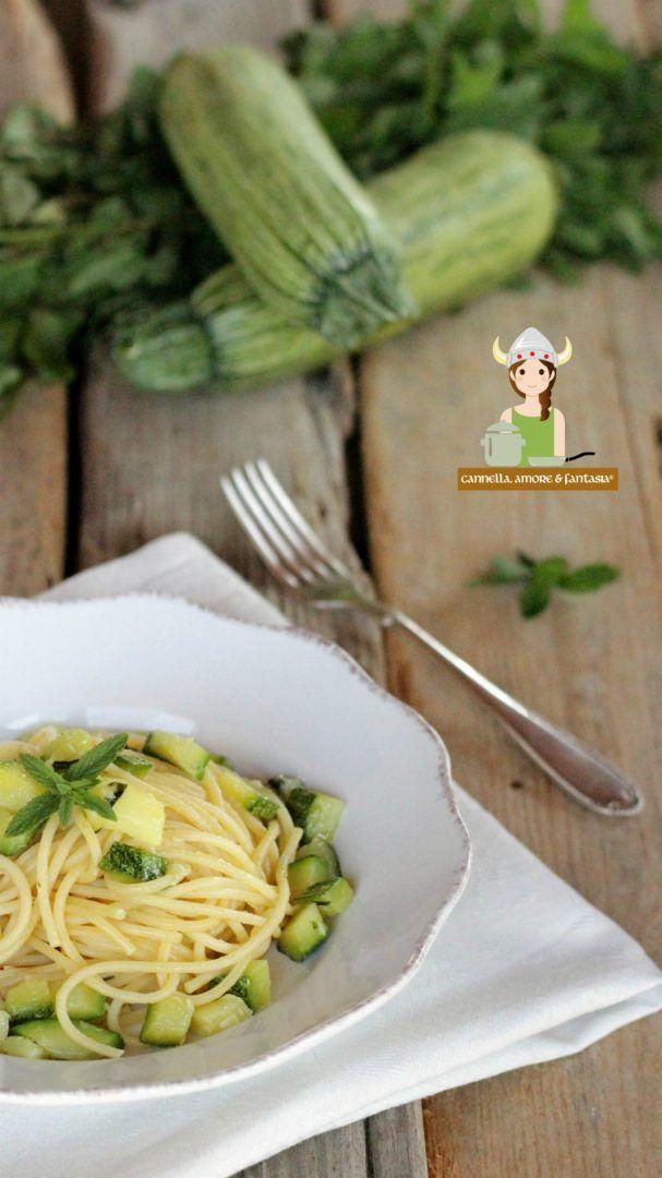 Spaghetti con zucchine e menta