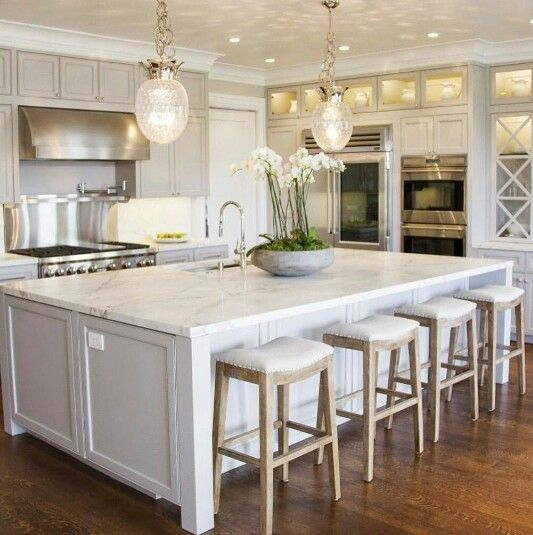 Kitchen And Breakfast Bar/island