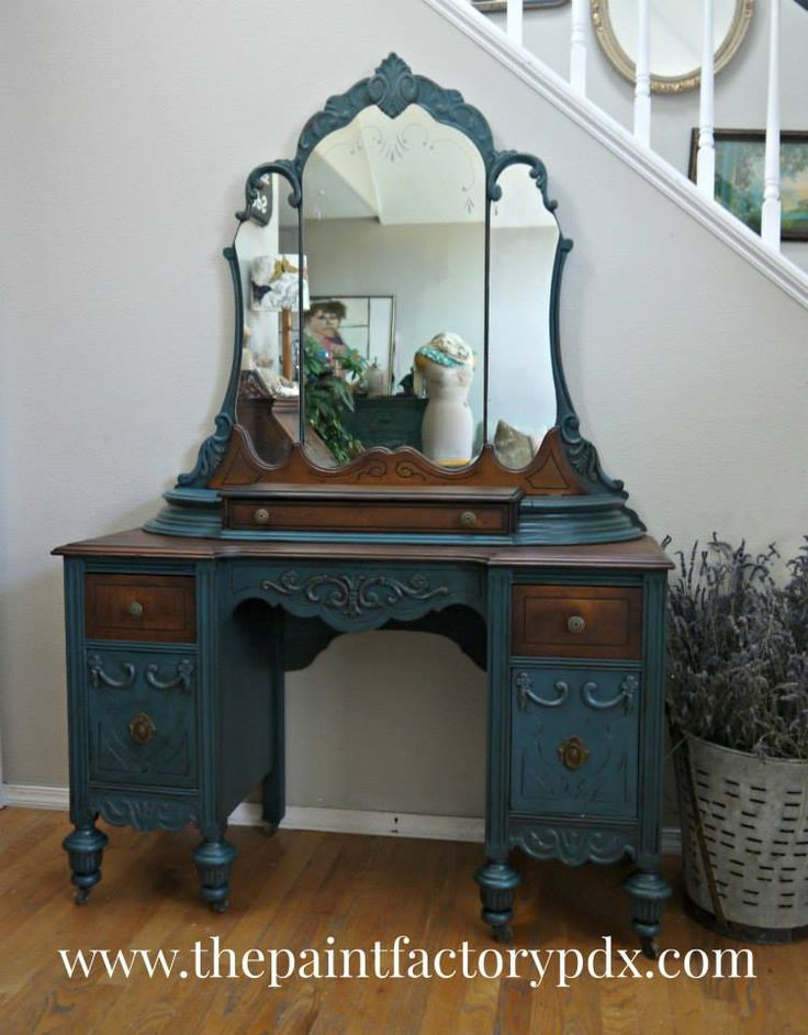 Mirrored vanity contrast stained and painted. Best 25  Antique painted furniture ideas on Pinterest   DIY