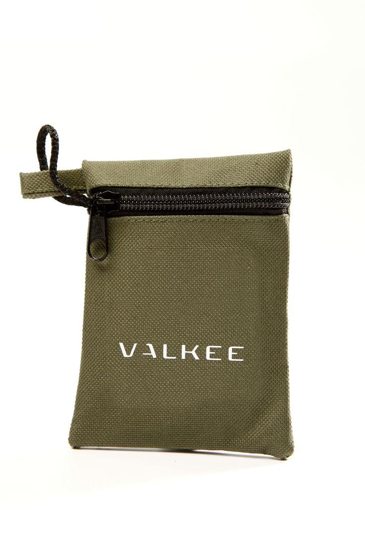 Accessory for Valkee 2 - La Gringa bag in dark green.