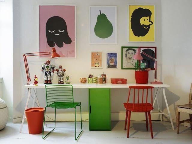 The boo and the boy: kids' desks / podwójne biurko Możemy wykonać dla Ciebie taki projekt: zapraszamy na www.loftstudio.pl