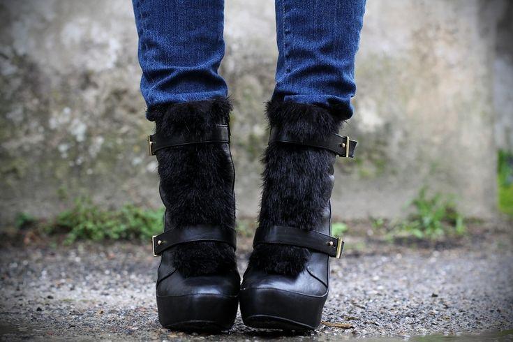 #fashion #shoes stivali con pelliccia
