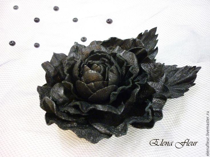 """Купить Заколка-брошь """"Черная роза. Ночная красавица"""" цветы из кожи - черный, хеллоуин, helloween"""