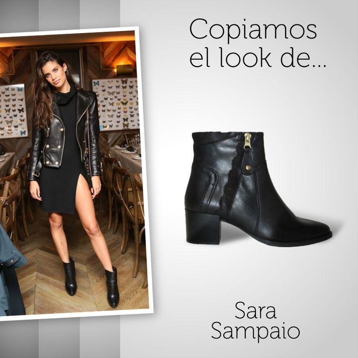 Copiamos el #look de Sara Sampaio con nuestros #botines negros de #piel. Y vosotras... ¿Apostaríais por esta combinación?  *Disponible en más colores