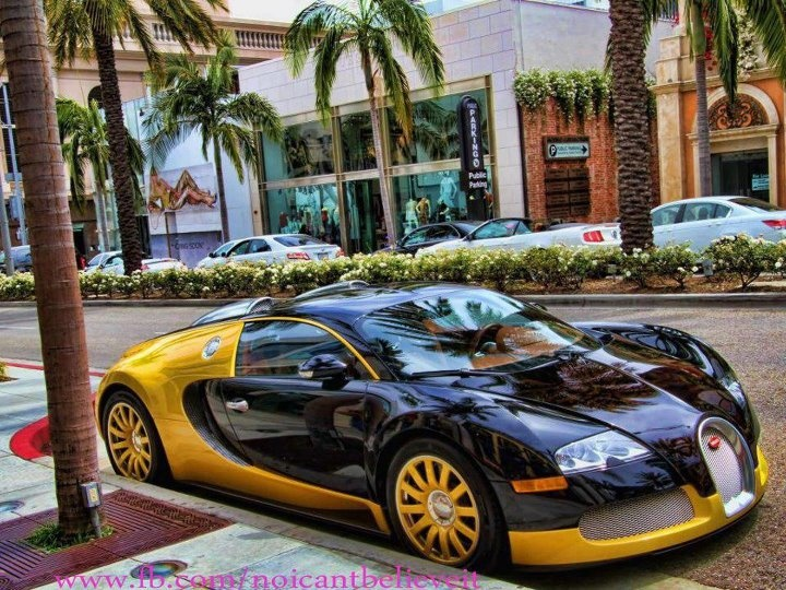 This Is A Bugatti Veyron Taxi. Dubai Doesnu0027t Have A Reputation For Having  Challenging Taxi Drivers, Though Given The Price Of The Veyron This Is  Hardly ...