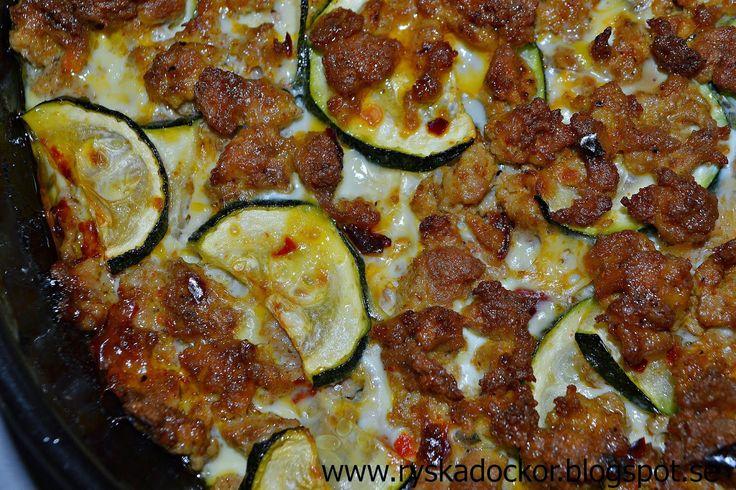 Ryskadockor: God gratäng med kycklingfärs, sötpotatis och zucchini :)