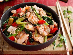 FOR THE MARINADE --- ◾500g Pork Fillet, sliced thinly  ◾2cm piece Ginger, peeled & chopped ◾1 large Red Chilli, deseeded & diced  ◾4 tbsp Sesame Oil --- FOR THE STIR FRY --- ◾450g pkt fresh Rolled Rice Noodles ◾½ cup Chinese Red-wine Vinegar ◾1/3 cup Tomato Sauce ◾1/3 cup Sweet Chilli Sauce ◾1 Red Onion, diced ◾4 sticks Celery, diced ◾1 Red Capsicum, diced ◾5cm piece Ginger, peeled & chopped ◾2 bunches Choy Sum ◾1 cup Snow Peas, cut in half ◾2 tbsp toasted Sesame Seeds ◾4 Spring Onions…