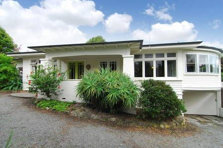 Check out this awesome listing on Airbnb: Sunny Spacious Summer Holiday Home - Houses for Rent in Havelock North
