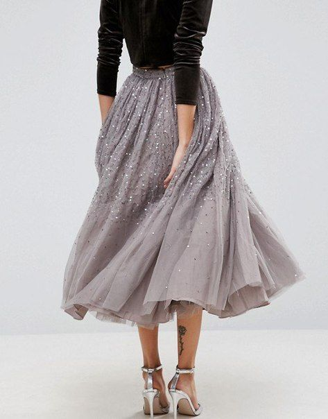 Gorgeous beaded, embroidered /embroidery work on this full skirt. Perfection with the silk velvet top
