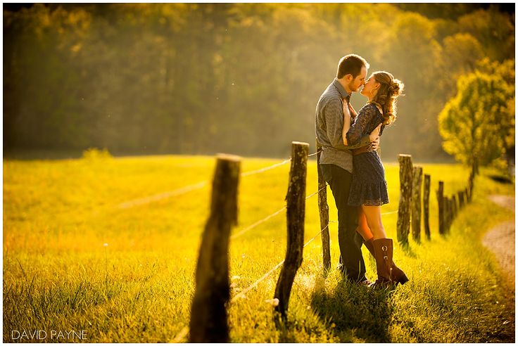 Oh oh oh. Cades Cove engagement session. I loooove this one!