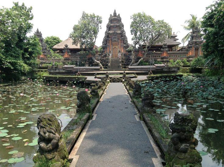 Bali Pura Taman Saraswati Temple -   centro de Ubud
