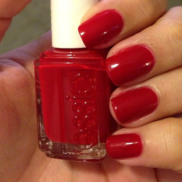 Essie Aperitif - My Favourite Classic Red By Essie!