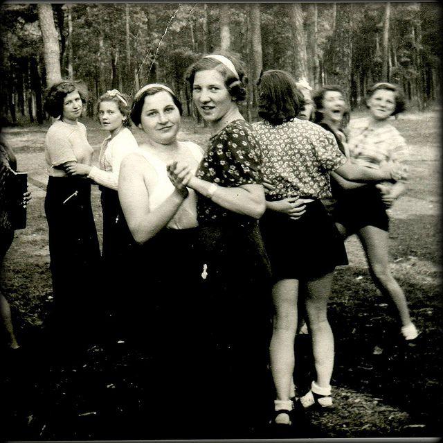 1930S-Dancing-Girls 150 Yrs Of Lesbians Httpwww -5873