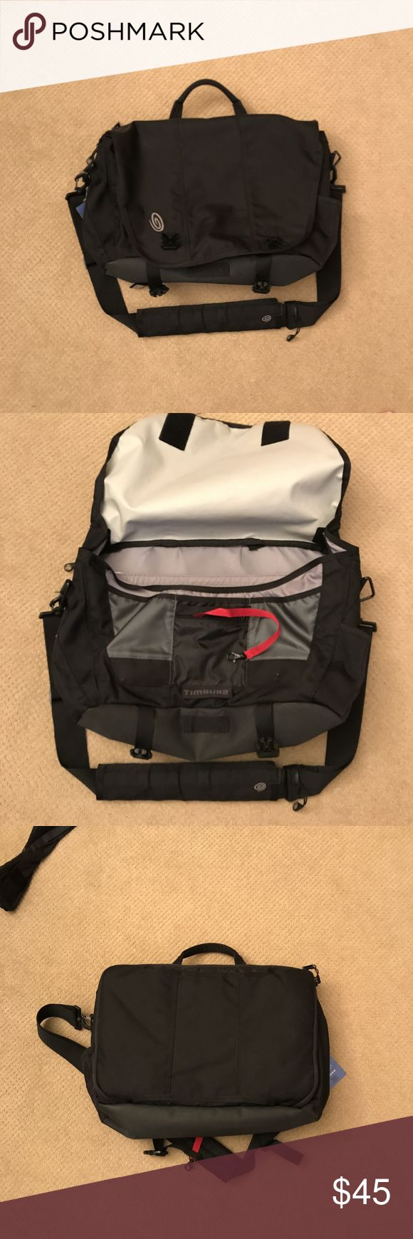Timbuck2 Laptop Messenger Bag Large This item is in excellent condition with no rips, tears, or stains.  Comes from a smoke-free home. Timbuck2 Bags Messenger Bags