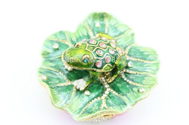 Ucuz Riskli kurbağa takı tutucu toptan fabrika Çin directly_handcrafted kurbağa heykelcik kılıf ücretsiz kargo, Satın Kalite takı ambalaj ve ekran doğrudan Çin Tedarikçilerden: Küçük kurbağa lotus yaprakları ve oturan yuvarlak mücevher kutusu.Süslemeleri kurbağa oturup yaprak kalay yüzük- riskli