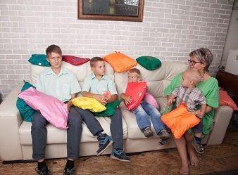 Компания Альсария предлагает изделия с микросферами. Это подушки, наколенники, корсеты, напульсники, пояса и многое другое. Купить эти товары можно здесь: http://www.zdravplus.ru/ru/catalognnpcto/8--alsaria