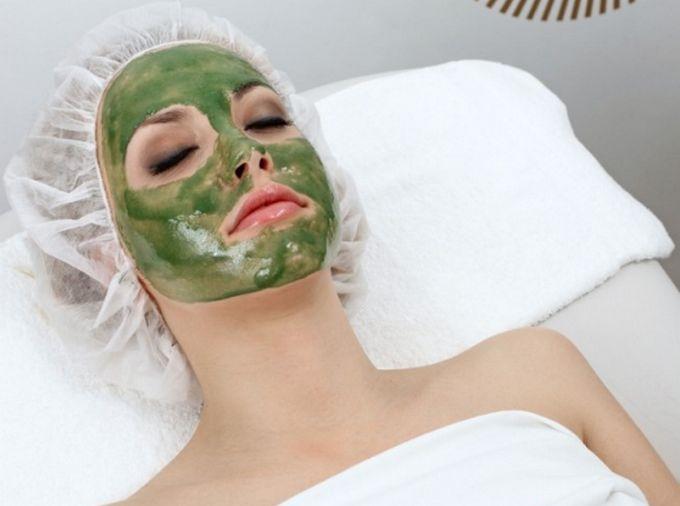 Если вас беспокоят носогубные морщины, тогда эта маска обязательно поможет. Спирулина (микроводоросль ), которая входит в состав маски, стимулирует выработку коллагена, избавляет от носогубных складок и помогает сохранить упругость и молодость кожи. Состав маски: желатин — 2 ч.л. спирулина — 4 таблетки сок лимона — 0,5 ч.л. витамин А — 2 капли Приготовление и применение: Заливаем желатин 1/4 стакана теплой …