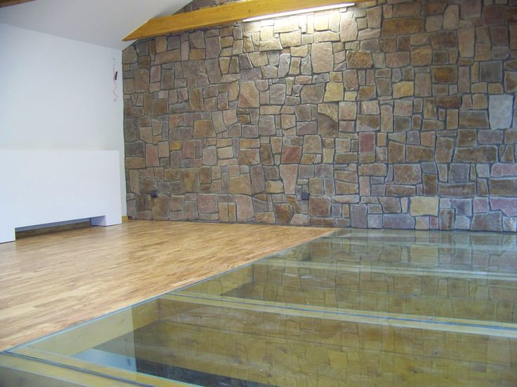 Realizace masivní podlahy ze dřeva olivovníku https://podlahove-studio.com