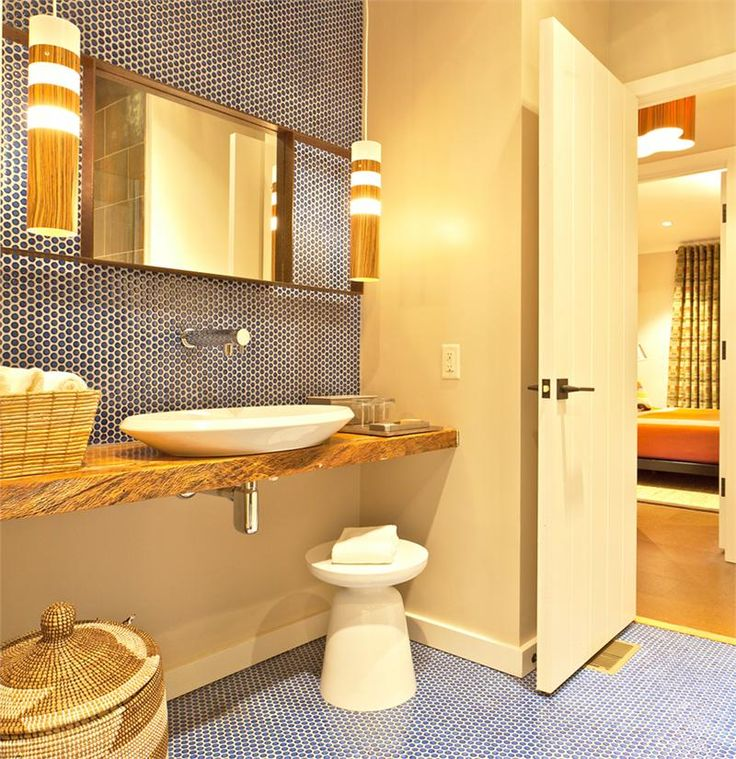 1000 ideas about blue penny tile on pinterest penny for Orange and blue bathroom designs