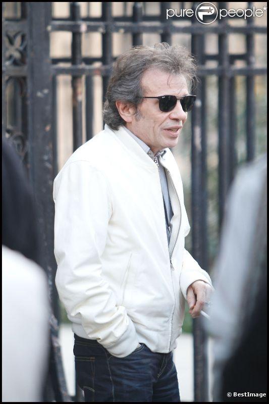 Philippe Manoeuvre aux obsèques de Jean Giraud alias Moebius à Paris, le 15 mars 2012.