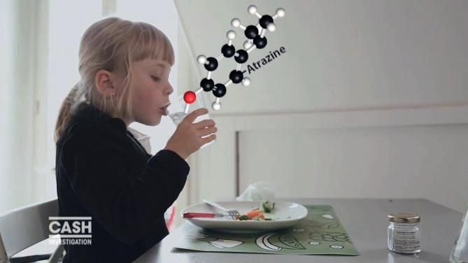 """""""Cash Investigation"""" révèle comment les multinationales de l'agrochimie inondent nos régions avec leurs pesticides, au risque de mettre en danger la santé de nos enfants."""