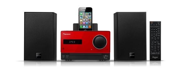Mikrosystem Hi-Fi ze stacją dokującą dla iPoda lub iPhone'a, odtwarzaczem CD, tunerem FM i gniazdem USB (2 x 15 W)