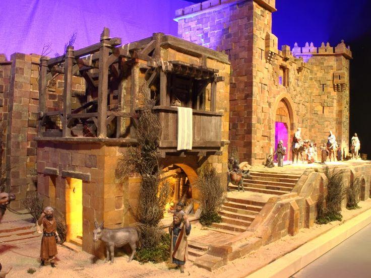 Este sorprendente montaje instalado en el Centro Comercial El Tormes (Salamanca) está inspirado en el recinto amurallado de la ciudad de Jer...