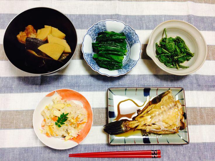 和食 筍ごはん、カワハギの煮付け、筍としいたけの煮物、ほうれん草のおひたし、こごみのおひたし