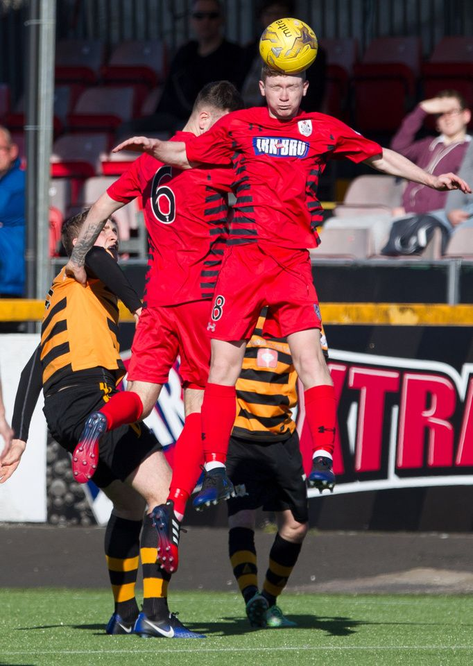 Queen's Park's Dominic Docherty in action during the Ladbrokes League One game between Alloa Athletic and Queen's Park