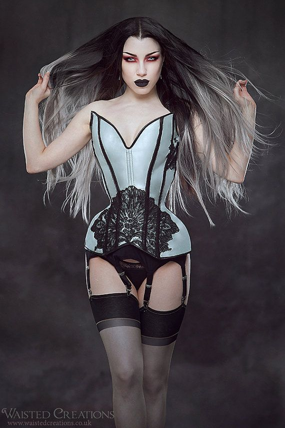 Waisted Creations sample, less than $200! Measurements:  35.5 bust 20 waist 35 hips  12.5 long at centre front 18.75 long from tallest point of bust - bottom edge of corset 12.5 long at