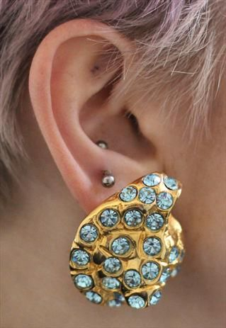 Vintage 80's Style Shell Gold Blue Diamante clip on Earrings from Pretty Disturbia £2.10!!