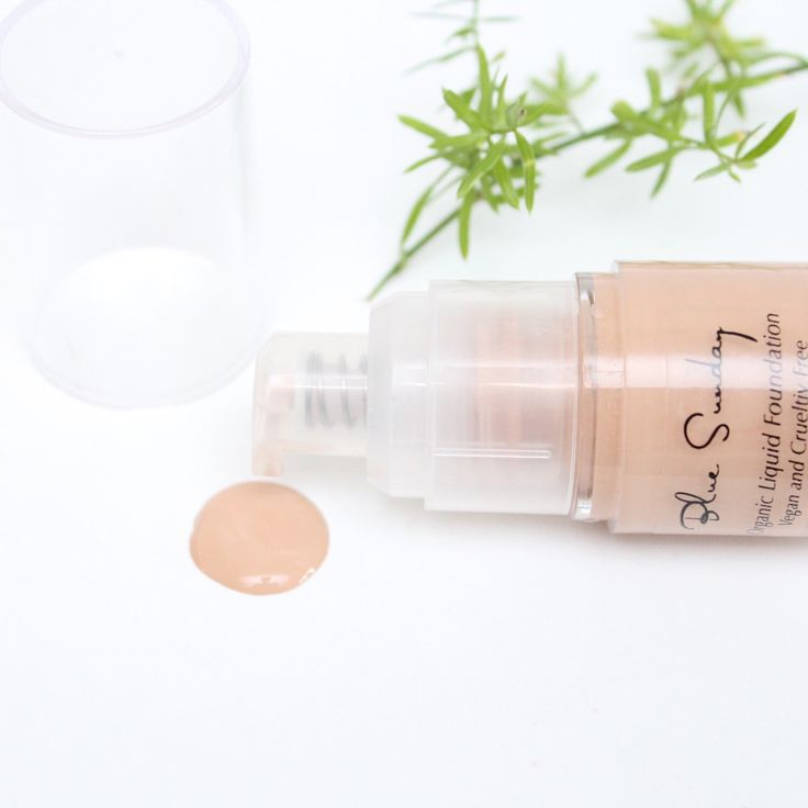 Let your natural skin shine and breathe with our foundation. Full coverage without harmful chemicals 💕