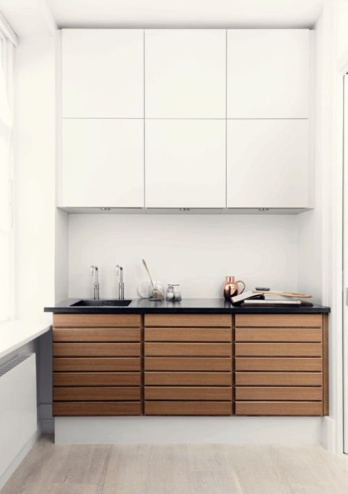 Form 1 // White pigmented oak kitchen by Multiform
