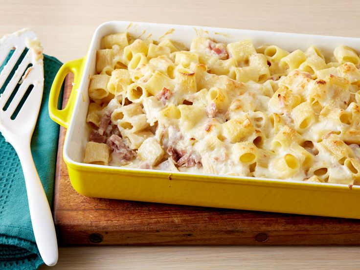 Baked Rigatoni with Bechamel Sauce : The key to pulling off Giada's decadent baked pasta dish is all in the bechamel sauce — a creamy mixture of butter, flour and whole milk that makes the perfect rich coating for the rigatoni and prosciutto.