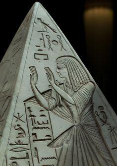 Pyramidion, Museo Egizio, Torino