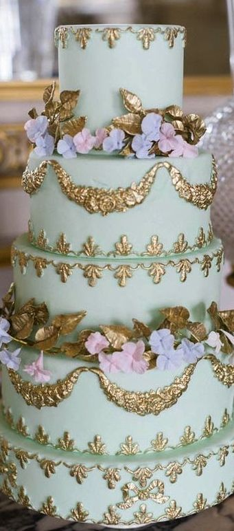 Parisian Weddingcake