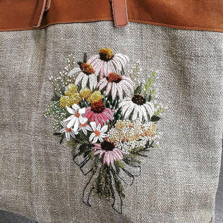 @riasee0300 선생님의 꽃자수 가방. 넘 예뻐요~~^^ 탐나요~ #프랑스자수 #enbroidery #스티치앤트립