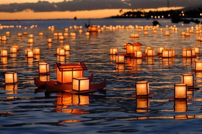 灯篭流し  paper lantern floating