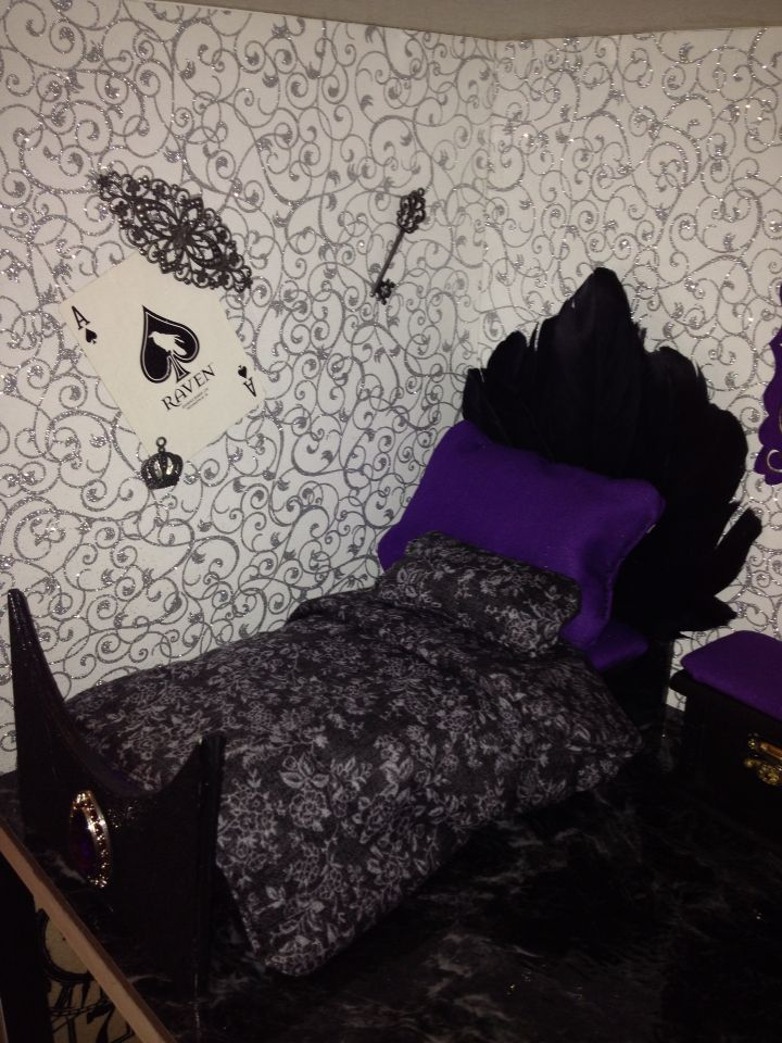 Raven Queen Room For Ever After High Doll House