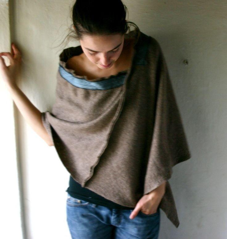 Poncho: Knits Crochet Sewing, 2Dayslook Ponchos, Ponchos Style, Blankets, Sewing Inspiration, Cuffs, Art Ponchos, Diy Crochet Sweaters Refashion, Diy Jeans Refashion