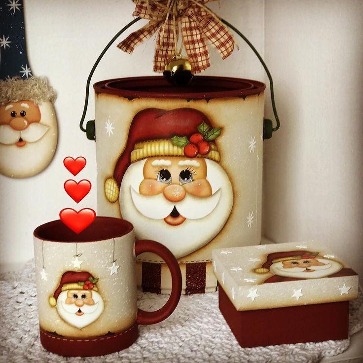 Oláaaaa meu povo lindoooooo! Mais lindezas do meu Natal. Você já se inscreveu para participar da semana da pintura Country Natal? começa amanhã e vou estar te esperando! Este é o link para inscrição http://pintura.duna.vc/ Beijinhos no Tânia #natal #madeira #feitopormim