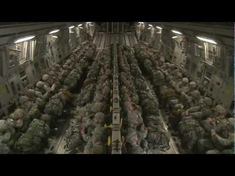 Training with the 82nd Airborne Division / Entraînement avec la 82e Division aéroportée