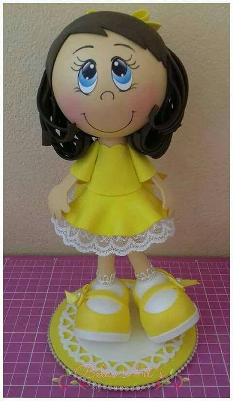 Fofucha con vestido amarillo