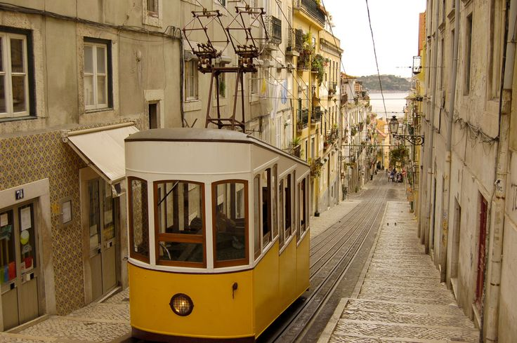 Why #Lisbon Portugal needs to be your next travel destination | @blonde_atlas