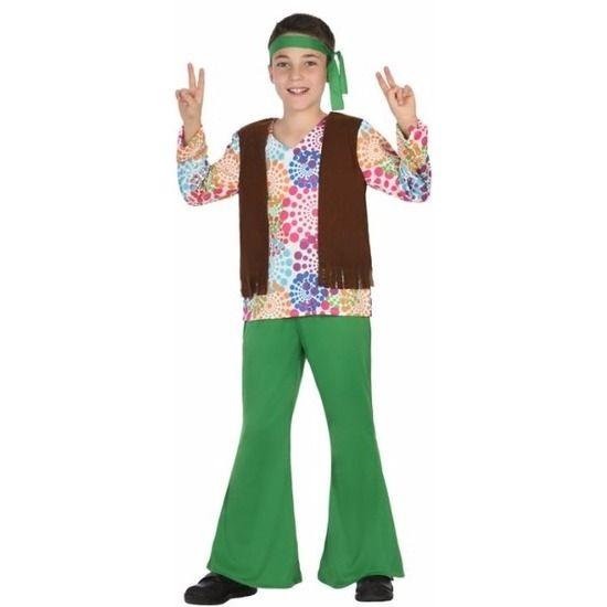 Hippie kostuum voor jongens. Compleet jaren 60 hippie verkleedkostuum voor kinderen. Het kostuum bestaat uit: een gekleurd shirt met aangehecht vest, een groene broek en een groene hoofdsjaal. Alle onderdelen zijn gemaakt van stof. Materiaal: 100% polyester.